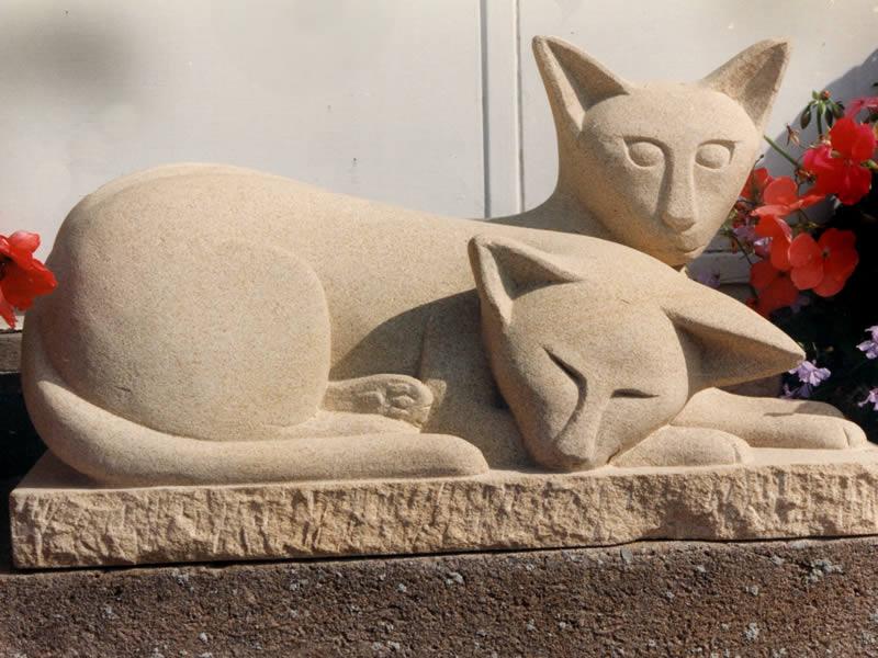 Sculptural memorial